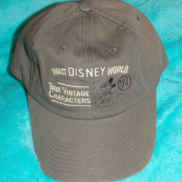 8bd969ce6 Disney Accessories - Walt Disney Parks True Vintage Characters Hat Cap